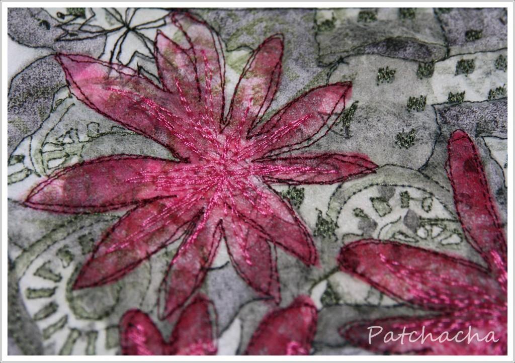 en cours et tutos fleurs en tissus le blog de patchacha. Black Bedroom Furniture Sets. Home Design Ideas
