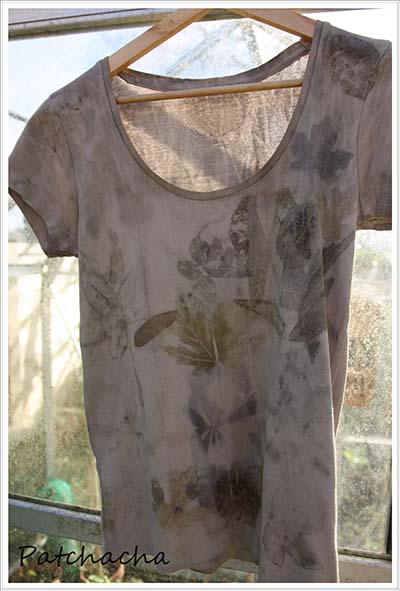T-shirt eco-print